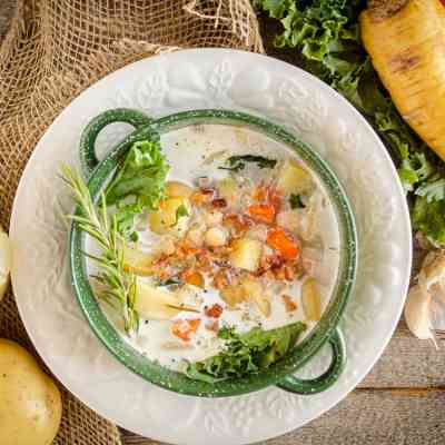 Winter Slow-Cooker Vegetable Bacon Soup