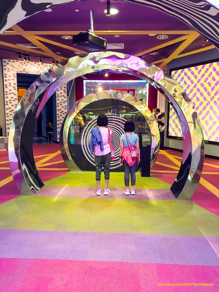 Are you hypnotized? Science Center Singapore