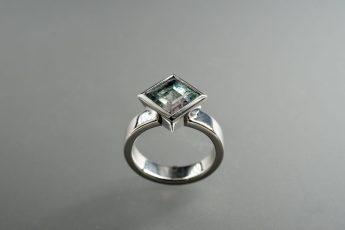 Ring in 585er Weiß-Gold und Turmaline mehrfarbig, 1989€ (verkauft)
