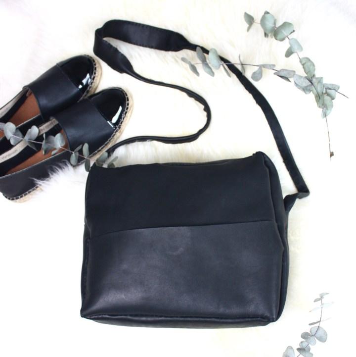 DIY: Schwarze Leder-Umhängetasche