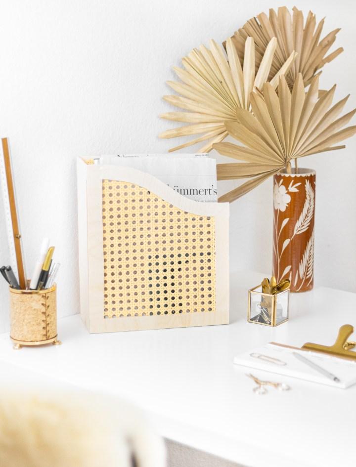 DIY Schreibtisch-Organizer aus Holz und Wiener Geflecht
