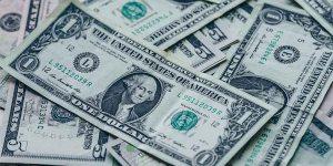 Salvadoreños en el exterior enviaron $424 millones de remesas