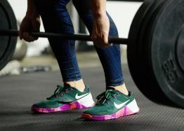 Rory-M_Shoes-close-up-deadlift_02_54447