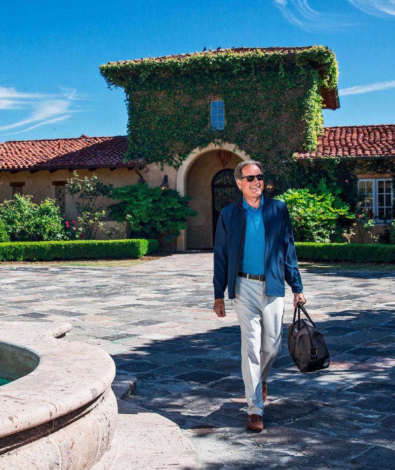 jim nantz vineyard vines driveway