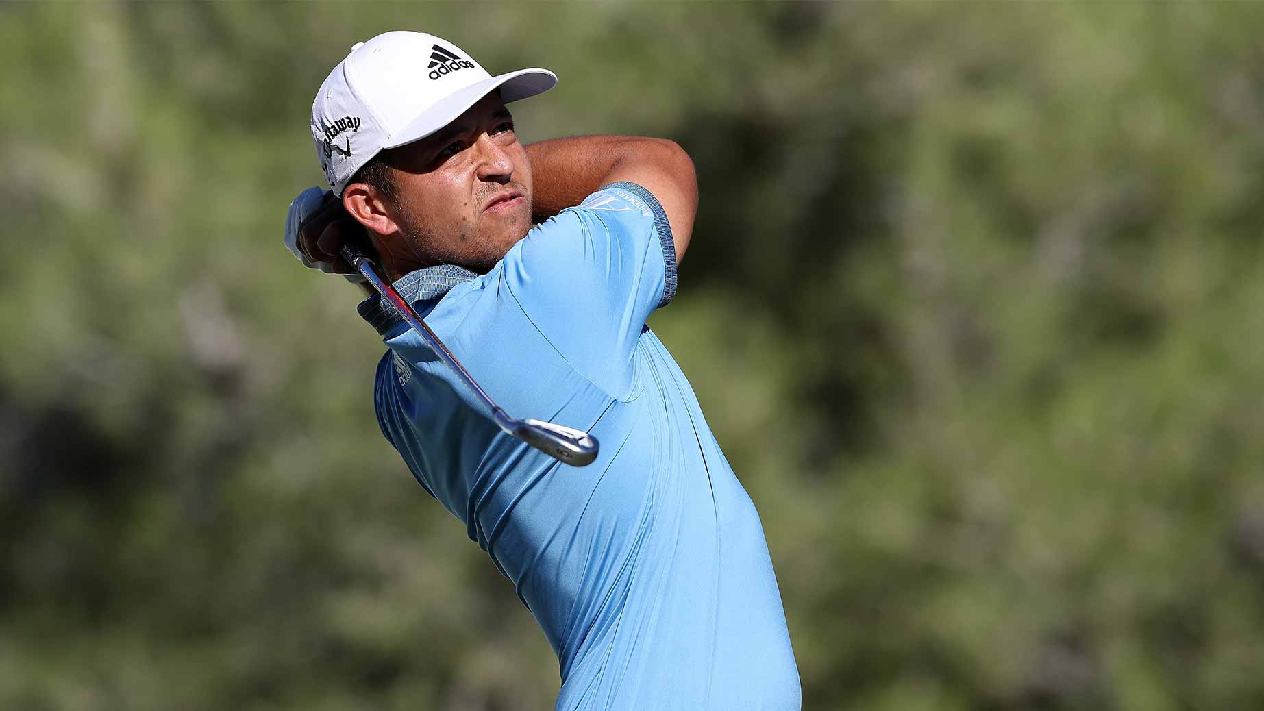 xander schauffele swings iron cj cup