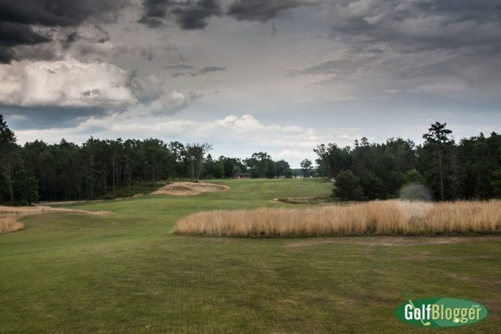 The eighteenth at The Loop Red is a 475 yard par 4