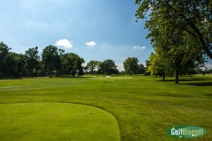 The fifteenth at Oakland HIlls South is a 397 yard par 4.