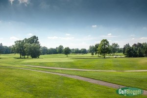 The sixteenth at Oakland Hills is a 401 yard par four.
