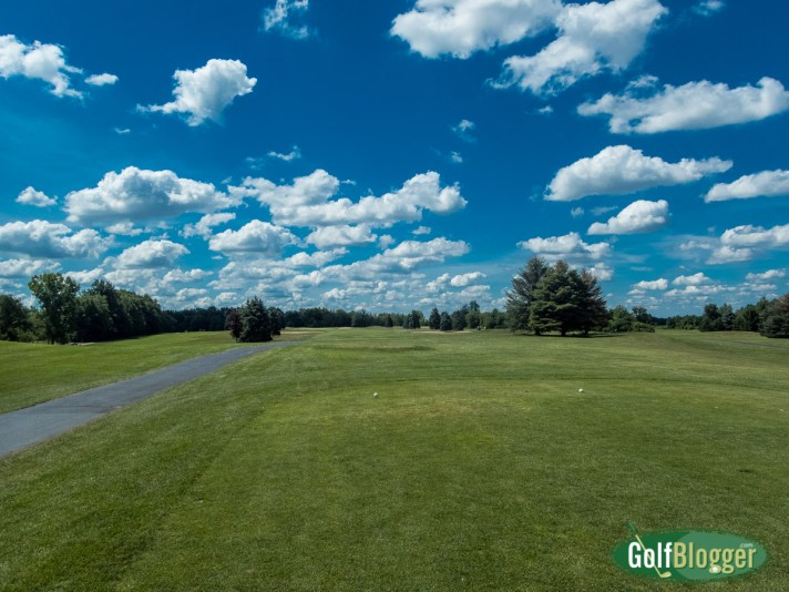 Wheatfield Valley Golf Course Review: The first hole.