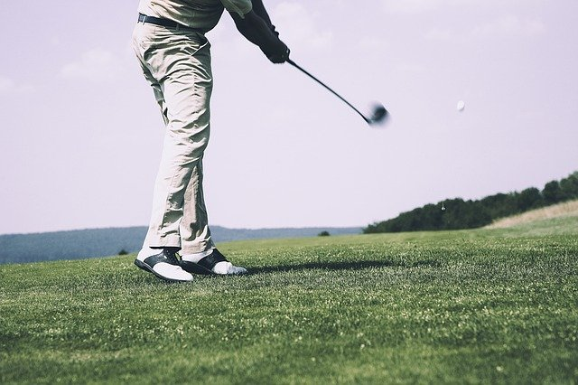 amazing golf tips that can improve your game 1 300x200 - Tips That Will Make You A Better Golfer!