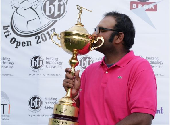 Udayan Mane with bti Open 2017 Winner's Trophy