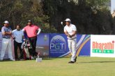 Mukesh Kumar leads by one in the Golconda Masters