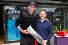 Chris Broad won the individual prize on a day of golf for the English team on the sidelines of the Cricket World Cup
