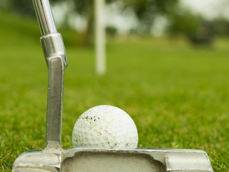 Can I teach myself golf