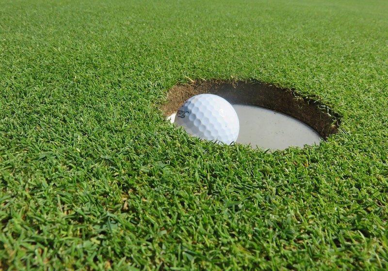 Golfboll Golfhål