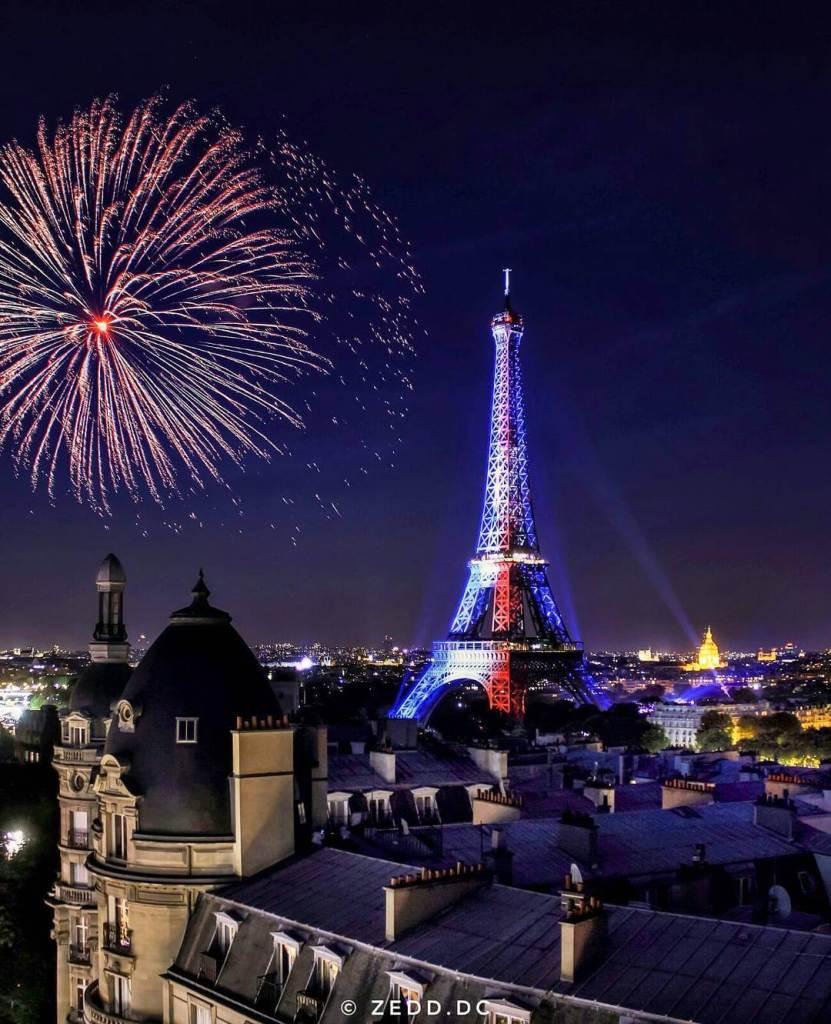 eiffel-tower-fireworks