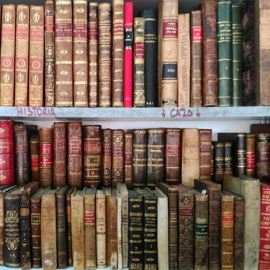 libreria-anticuaria-farre-bookstore-barcelona-spain-europe