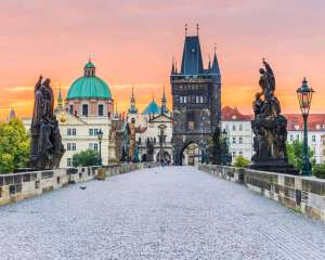 charles-bridge-prague-top-sites