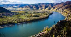 wachau-valley-austria-danube
