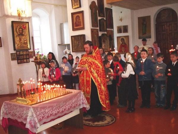 Церковь Рождества Христова с Гололобово