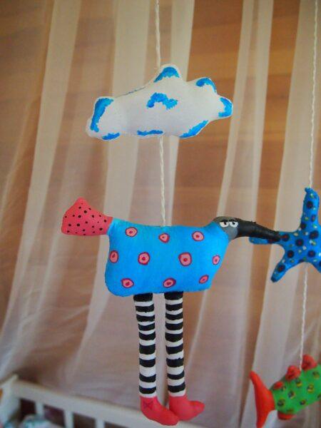 необычные игрушки для мобиля в детскую кроватку