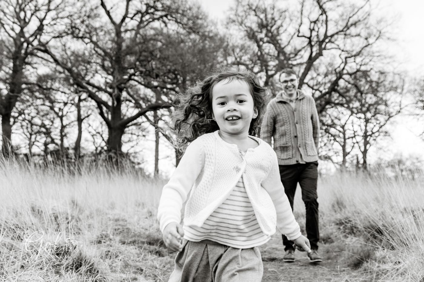 children-Family-outdoor-photography-teddington-GolrizPhotoraphy15