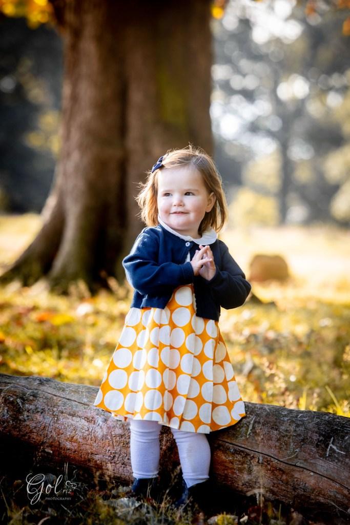 little girl in autum family photoshoot in Richmond