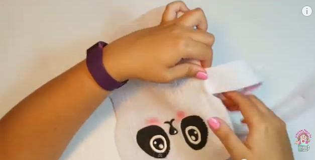 Cartuchera de goma eva con forma de oso panda 17