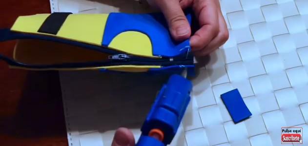 Cartuchera de Minions con goma eva 13