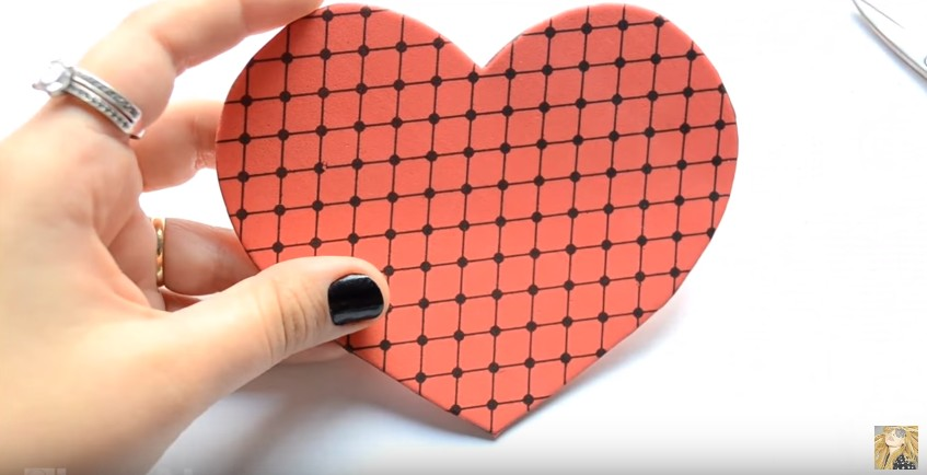 Caja de goma eva en forma de corazon para San Valentin 4