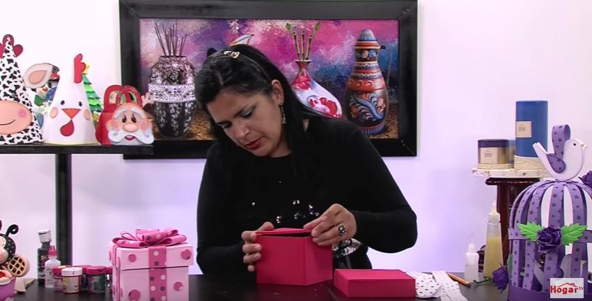 Caja de goma eva para regalo 7