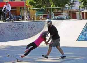 Standy Skatenet 2 - Standy Skatenet (2)