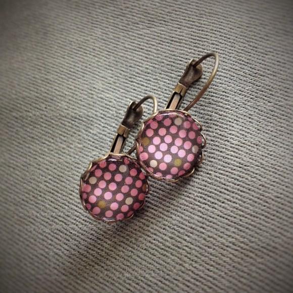 rózsaszín-barna pöttyös fülbevaló