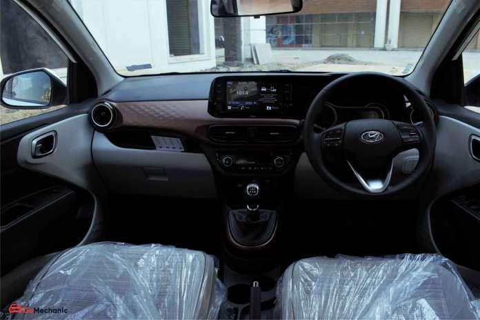 Hyundai Aura Dashboard
