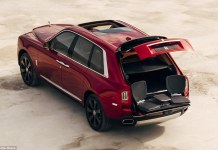 Rolls Royce Cullinan Pop-Out Rear Seats | Bizarre Car Features