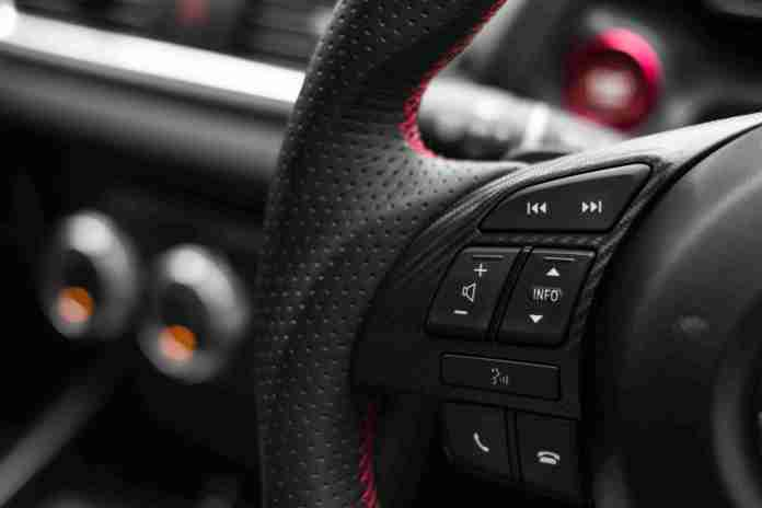 Steering Mounted Controls: Must-have comfort features in carscar