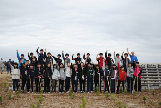 local_students_who_helped_in_the_tree_planting_activity