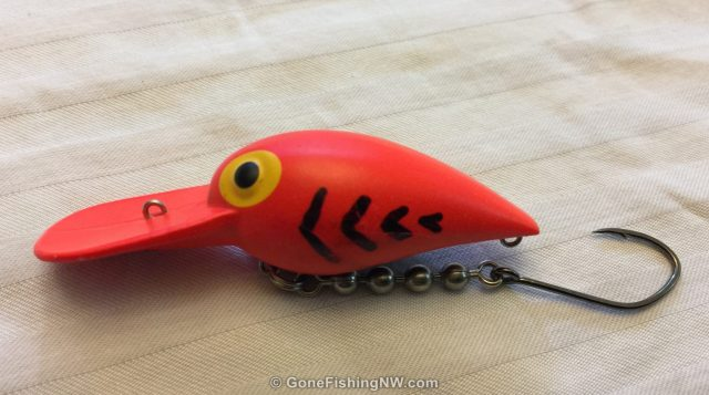 Wiggler with single hook behind the body. This plug also has a custom chevrons added with a sharpie.