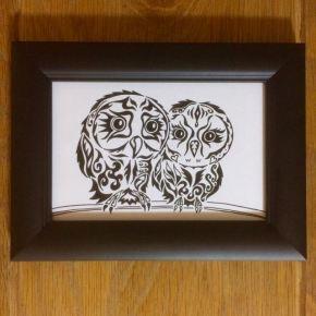 プレゼントとして人気の【フクロウの夫婦】の絵。ポストカードサイズの名前の無いオリジナルを作りました。
