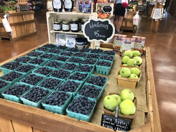 15 Delicious Things to Buy at Evans Apple Orchard