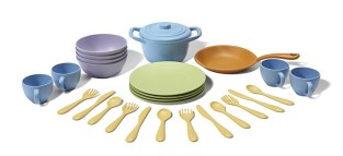 Non-Toxic Holiday Gift Ideas - Green Toys Cookware and Dining set