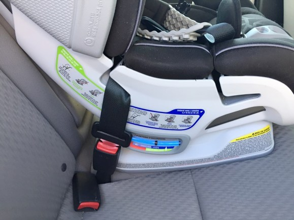 Britax Advocate ClickTight Review - Automatic Level Indicator
