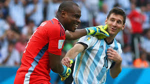 Vincent Enyeama with Leo Messi