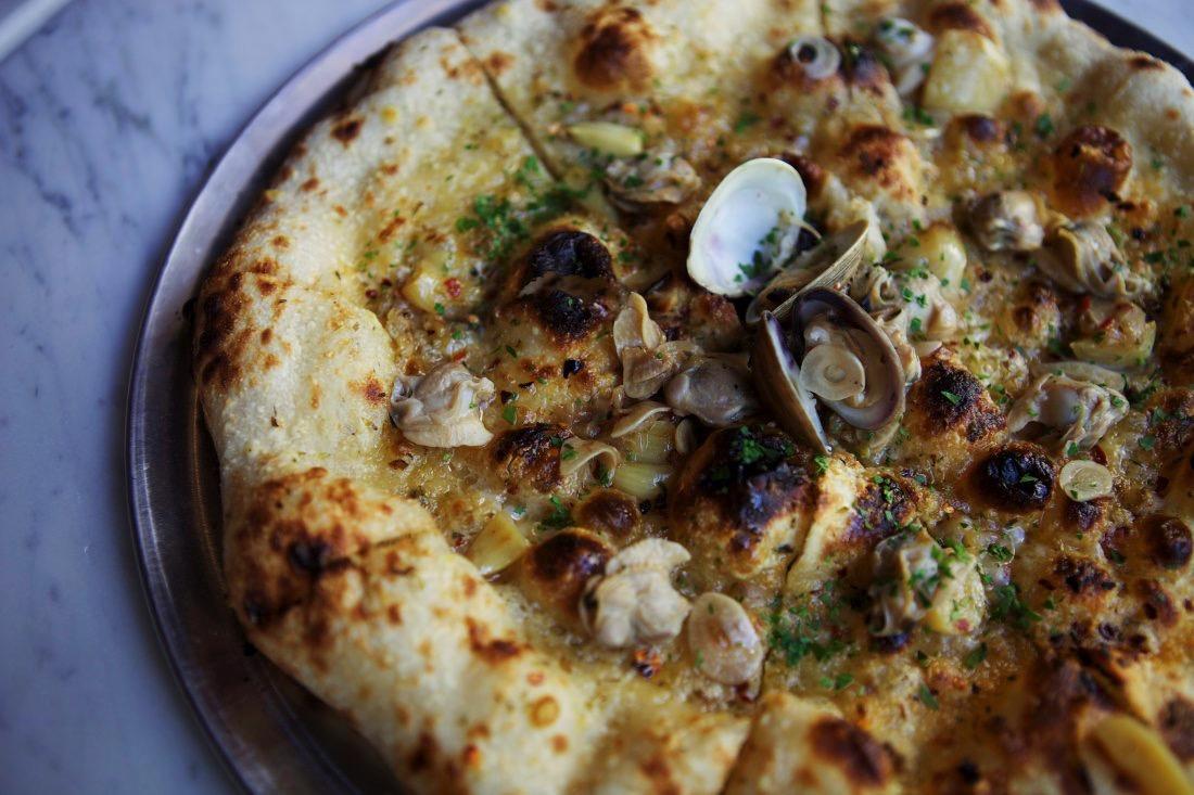 clam-pizza