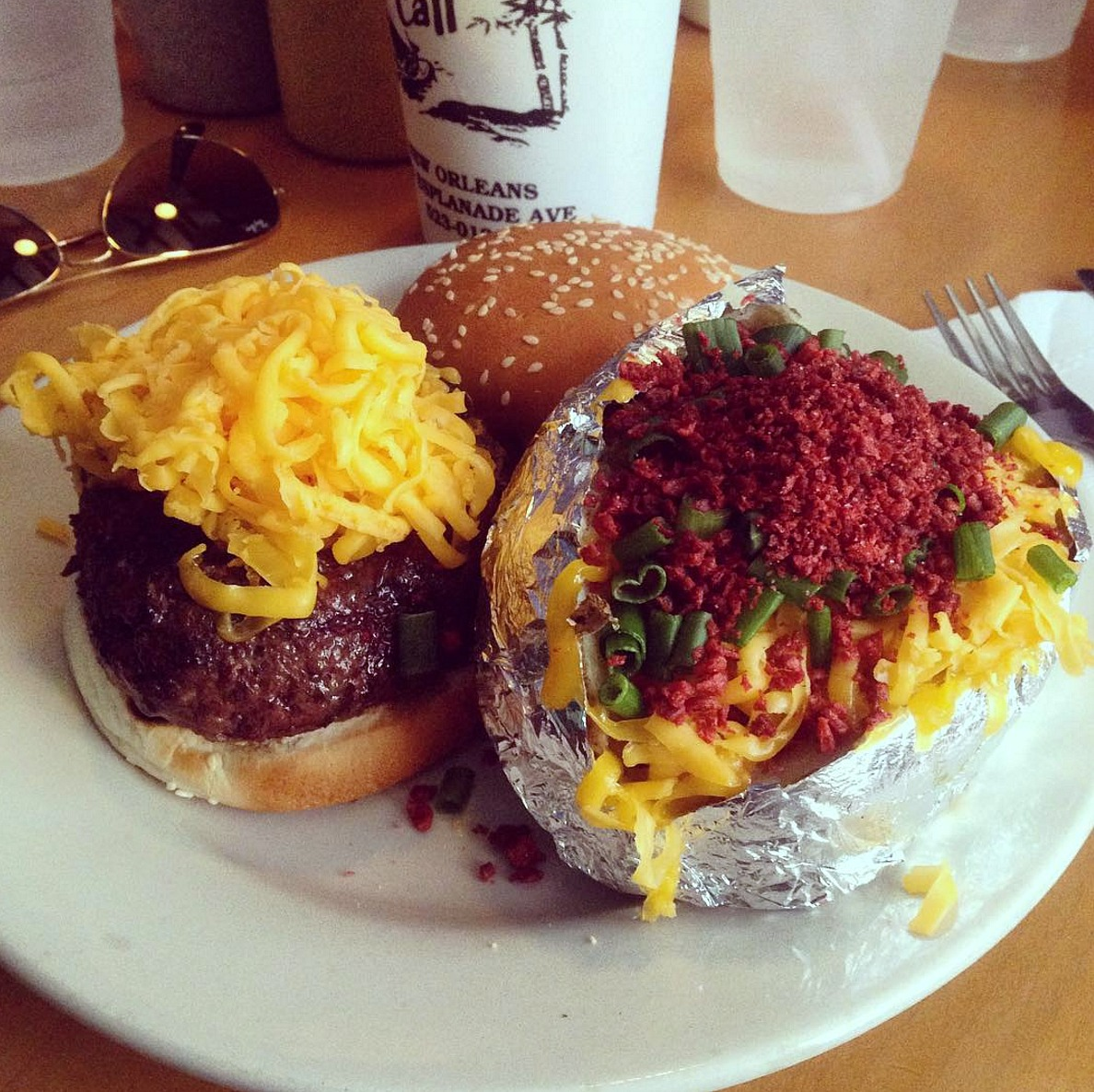 The burger from Port of Call. (Photo via Instagram user @joshmasc)