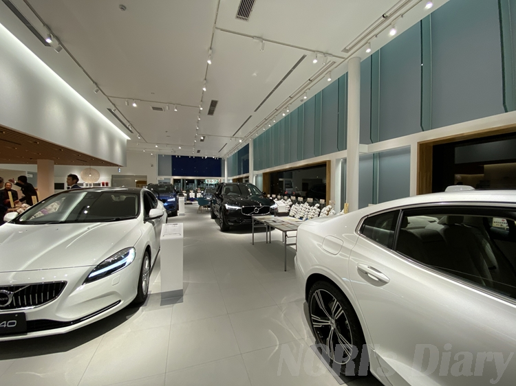 VOLVO奈良新ショールーム店内