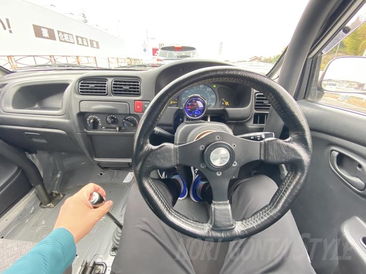 アルトHA23V車内