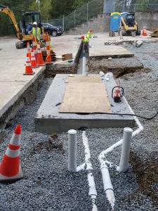 New oil-sand separator