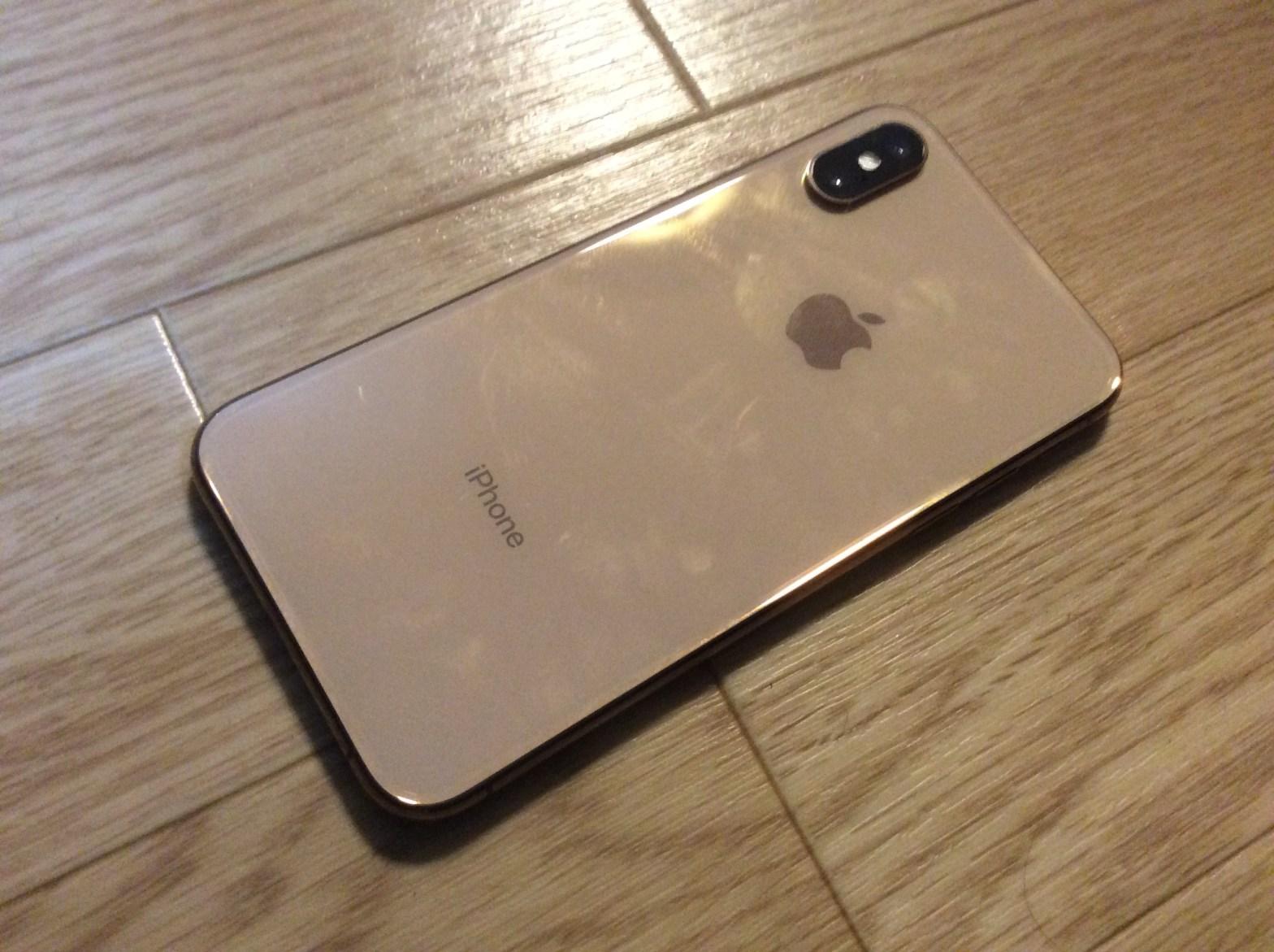 iPhone XS 背面
