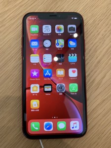 iPhone XR (PRODUCT)RED™ ホーム側面